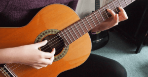 Adrian Curran | Learn Guitar Online | Online Guitar Base